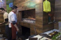 Pracownik w restauraci Fotografia Royalty Free