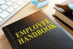 Pracownika podręcznik na biurku zdjęcie stock
