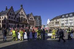 Pracownika ` s demonstracje w Romerberg Frankfurt zdjęcia stock