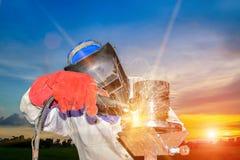 Pracownika spawalniczego metalu stalowa drymba Obraz Royalty Free