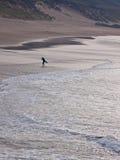 Practicado surf hacia fuera imagen de archivo libre de regalías