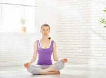 Practice yoga Royalty Free Stock Photos