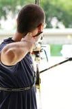 Practique el tiro al arco, deporte de las personas nacionales tailandesas Imagen de archivo libre de regalías