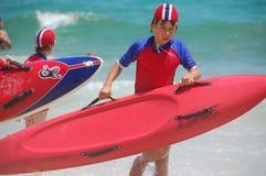 Practique surf el ahorro de vida Australia Imágenes de archivo libres de regalías