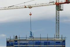 Pracujący budowa żuraw Aktualizacja 168 Gosford Styczeń 2019 zdjęcia royalty free