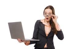 Pracująca dama z laptopem odizolowywającym na bielu Zdjęcia Stock