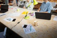 Pracująca przestrzeń biznesmen i startupper Obraz Royalty Free
