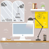 Pracujący biurko w Paryż Obrazy Stock