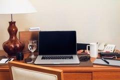 Pracujący biurko Zdjęcia Stock