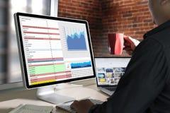 pracuje ciężkich dane analityka statystyk Ewidencyjnego biznes Technol obrazy stock