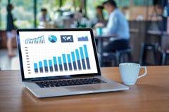 pracuje ciężkich dane analityka statystyk Ewidencyjnego biznes Technolog zdjęcia stock