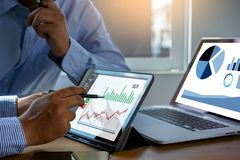 pracuje ci??kich dane analityka statystyk Ewidencyjnego biznesu technologi? obrazy royalty free