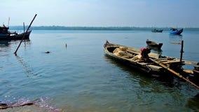 Pracy na rzece, Chaung Tha, Myanmar zbiory wideo
