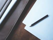 Pracy przestrzeń na drewnianym stole zdjęcie royalty free