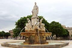 Pradier springbrunn i Nîmes, Frankrike Fotografering för Bildbyråer