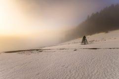prado congelado de la montaña en último invierno Imagen de archivo libre de regalías
