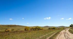 prado y camino unsurfaced Imagenes de archivo