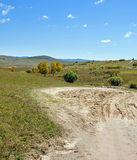 prado y camino unsurfaced Foto de archivo