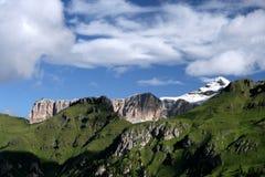 Prado y Piz Boe 2 de la montaña imagenes de archivo