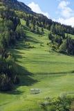 Prados herbosos en el pueblo de Sorica Fotos de archivo