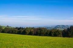 Prados nos cumes austríacos Foto de Stock