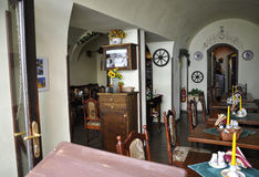 Prag, am 29. August: Restaurantinnenraum von Prag in der Tschechischen Republik Lizenzfreies Stockfoto