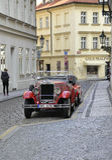 Prag, am 29. August: Weinlese-Auto auf Straßen von Prag in der Tschechischen Republik Lizenzfreies Stockbild