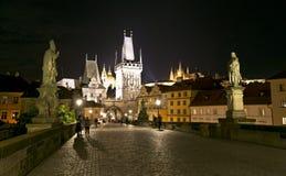 Prag bis zum Nacht Stockfotos