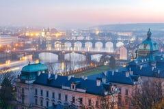 prag Brücken über der Moldau nachts Lizenzfreies Stockbild