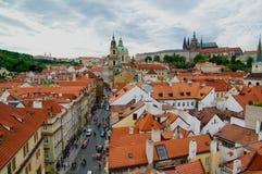 Prag-Dächer stockbilder