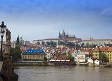 Prag - der alte Stadt und die Moldau-Damm, die Tschechische Republik Stockfotos