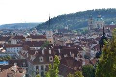 Prag an einem sonnigen Tag Lizenzfreies Stockbild