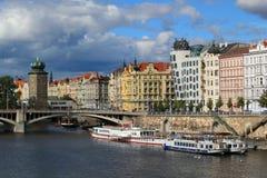 Prag-Flussufer Stockbilder