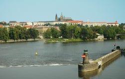 Prag-Flussuferpanorama Stockbild