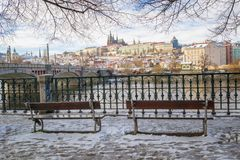 Prag im Winter stockfotografie