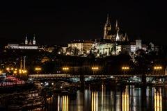 Prag-Schloss in der Nacht Lizenzfreie Stockfotografie