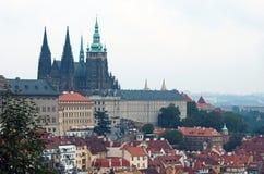 Prag-Schloss mit Umlagerungen stockbilder