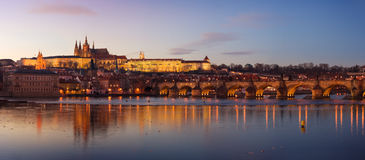 Prag-Schloss-Panorama Lizenzfreie Stockfotos