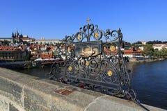 Prag-Schloss (Tscheche: PraÅ-¾ skà ½ hrad) ist der Amtssitz und das Büro des Präsidenten der Tschechischen Republik Lizenzfreie Stockbilder