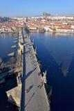 Prag-Schloss und Charles-Brücke Stockbilder