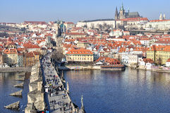 Prag-Schloss und Charles-Brücke Lizenzfreies Stockfoto