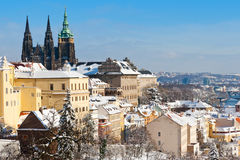 Prag-Schloss und wenig Stadt Lizenzfreie Stockfotografie