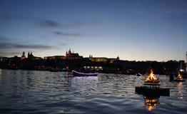 Prag-Schlosspanorama in der Dämmerung stockfotografie
