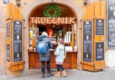 prag Shop, der trdelnikov verkauft Stockfotografie