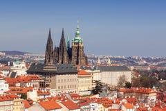 Prag-Skyline mit Prag-Schloss-Komplex Lizenzfreie Stockfotos