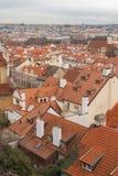 Prag, Tschechische Republik, alte Stadt in einem Retrostilwinter, kaltes Tonen färben Sie Bilder von Europa mit Raum für Text Lizenzfreie Stockfotos