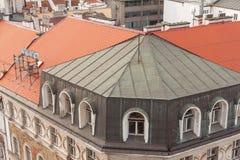 Prag, Tschechische Republik, alte Stadt in einem Retrostilwinter, kaltes Tonen färben Sie Bilder von Europa mit Raum für Text Stockfotografie