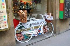 Prag, Tschechische Republik - April, 02, 2013: Bild des Showfensters auf einer Bäckerei lizenzfreie stockfotografie