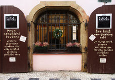 Prag, Tschechische Republik - 27. Januar 2014: café in Prag Das ursprüngliche Design Stockbilder