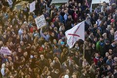 PRAG, TSCHECHISCHE REPUBLIK - 15. MAI 2017: Demonstration auf Quadrat Prags Wenceslas gegen die gegenwärtige Regierung und das Ba Stockbild
